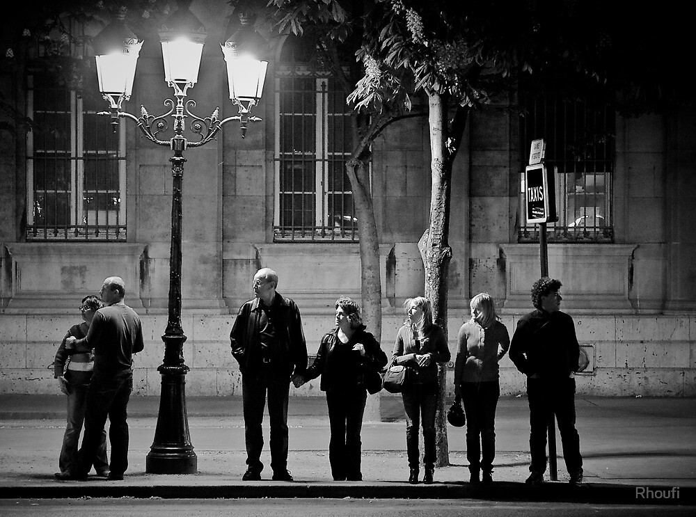 Anges Urbains attendant un taxi céleste - Cathédrale Notre-Dame de Paris by Rhoufi