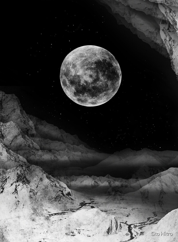 Between two moons by Sto Hitro