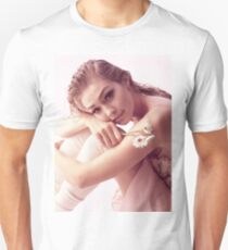 gigi hadid Unisex T-Shirt