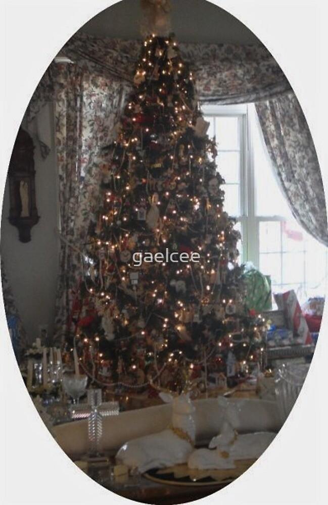 CHRISTMAS TREE by gaelcee