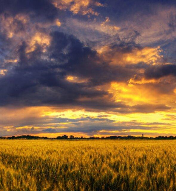 Hungarian skies pt XCIII. by realityDream