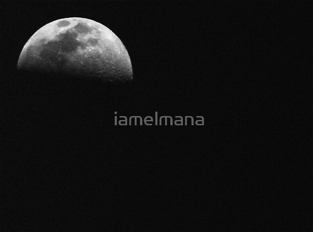 Dark side of the moon by iamelmana