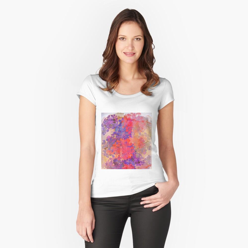 florale Komposition Tailliertes Rundhals-Shirt