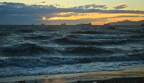 Violent Ocean by THurdCreations