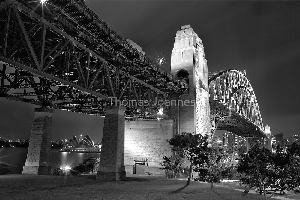 Sydney Harbour Bridge at night by Thomas Joannes