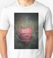 Trapped heart T-Shirt