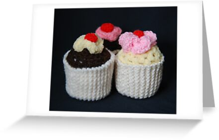 knitted cupcakes, yummy!! by linsads