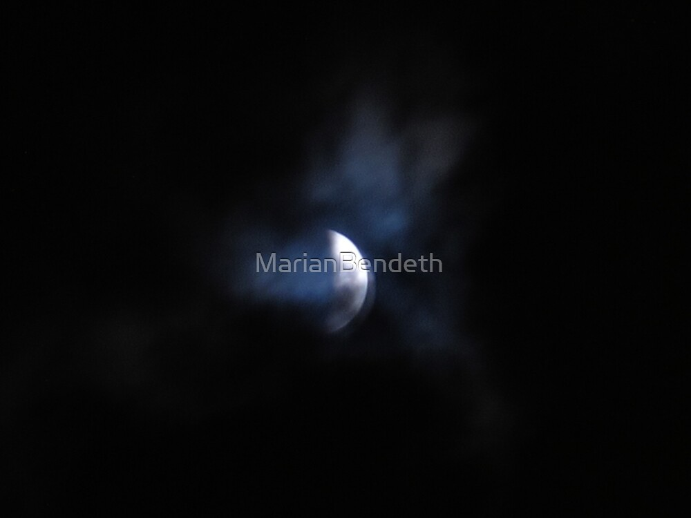 Eclipse Moon by MarianBendeth