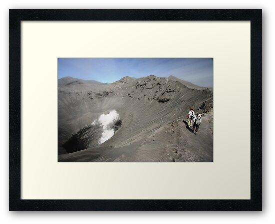 Tourists viewing the caldera of Bromo Mountain (Gunung Bromo) by Tim Coleman