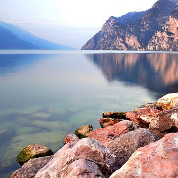 Prime ore del mattino sul Lago di Garda by Marsbub