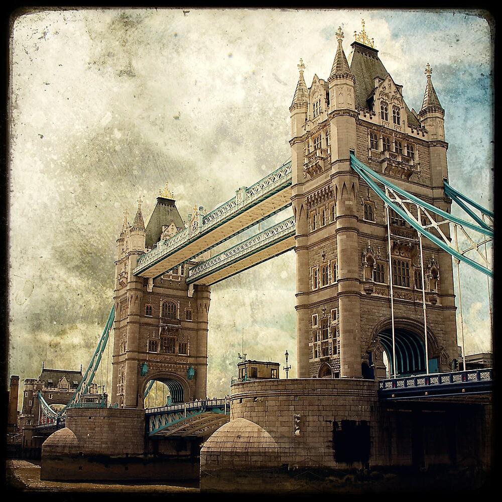 Tower Bridge by Marc Loret