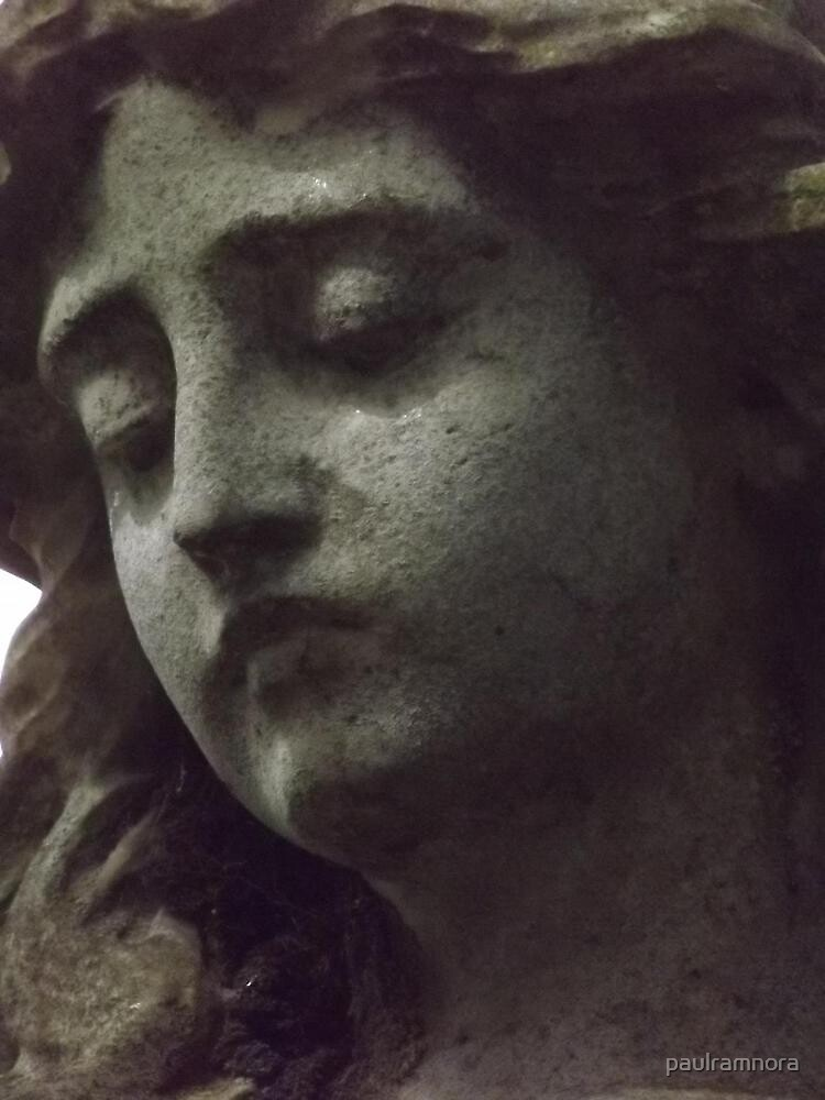 Norwood cemetary: Sculpture: Head -(220811a)- Digital photo by paulramnora
