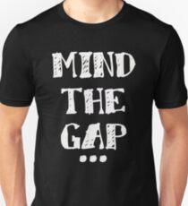 MIND THE GAP Slim Fit T-Shirt