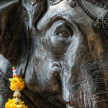 Elephant statue by madebyrina