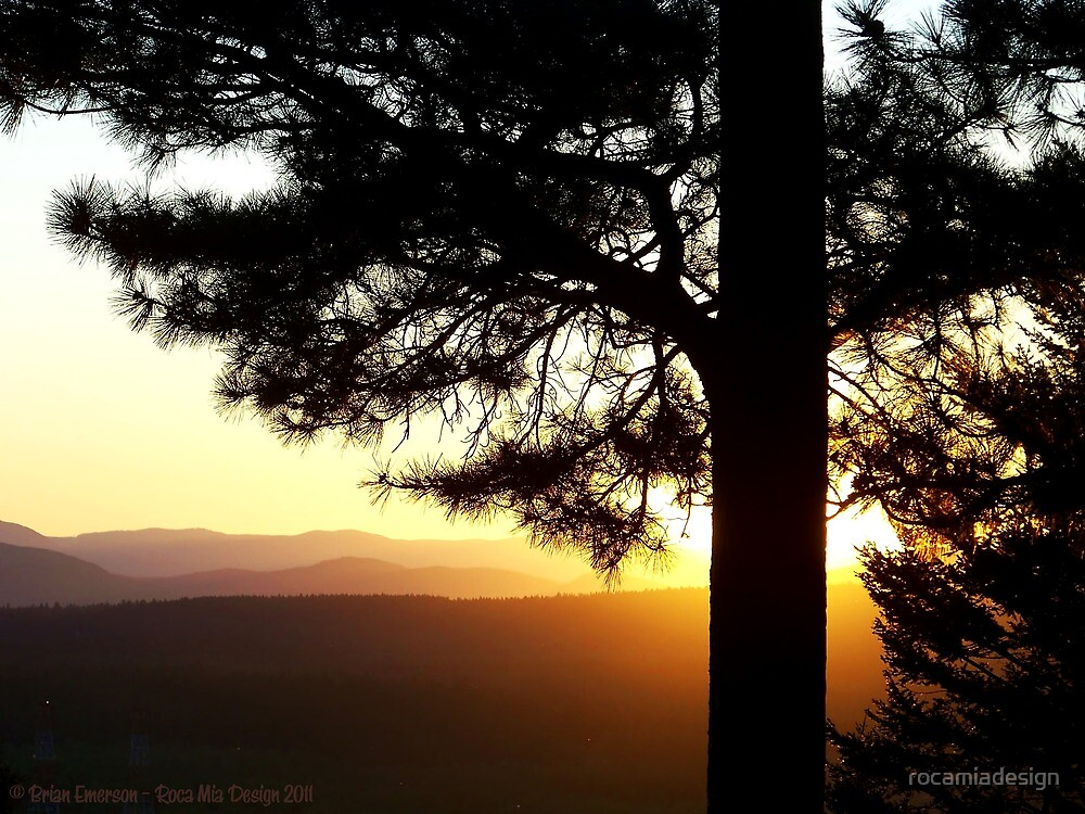 Mountain Sunset by rocamiadesign
