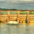 Carter's Lake Dam by Chelei