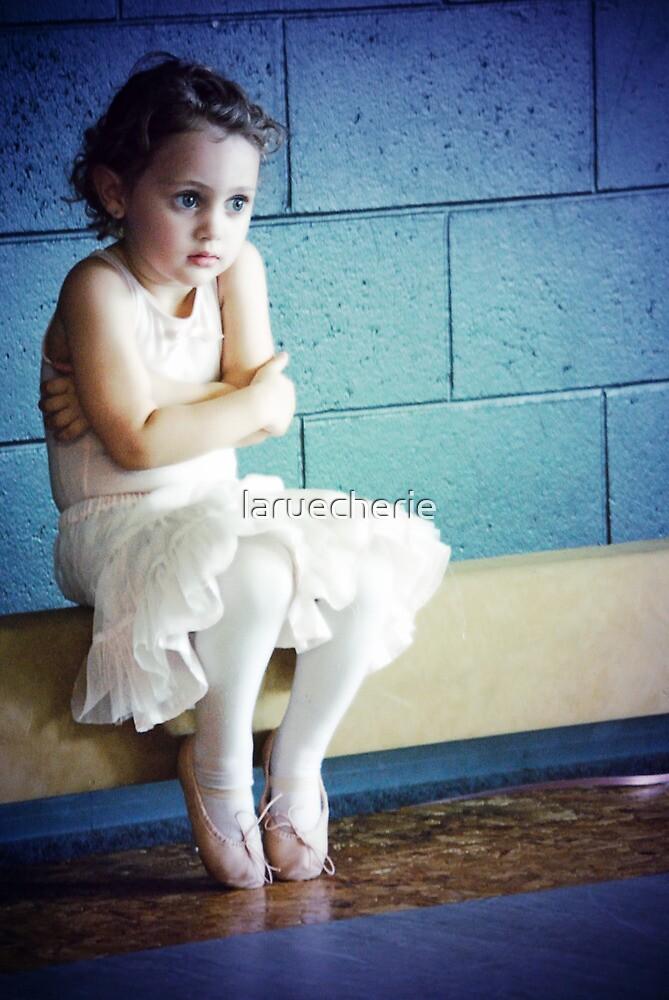 Waiting to Shine... by laruecherie