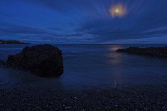 Moonlit Rock - Crosshaven Co. Cork by Pascal Lee (LIPF)