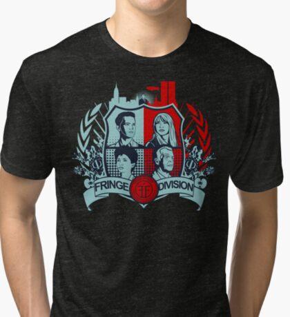 Fringe Division Crest Camiseta de tejido mixto