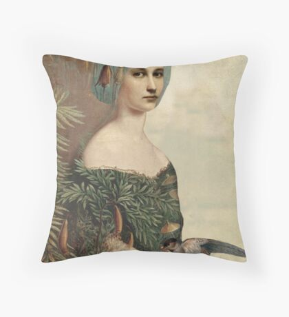 Pflanzenthiere Throw Pillow