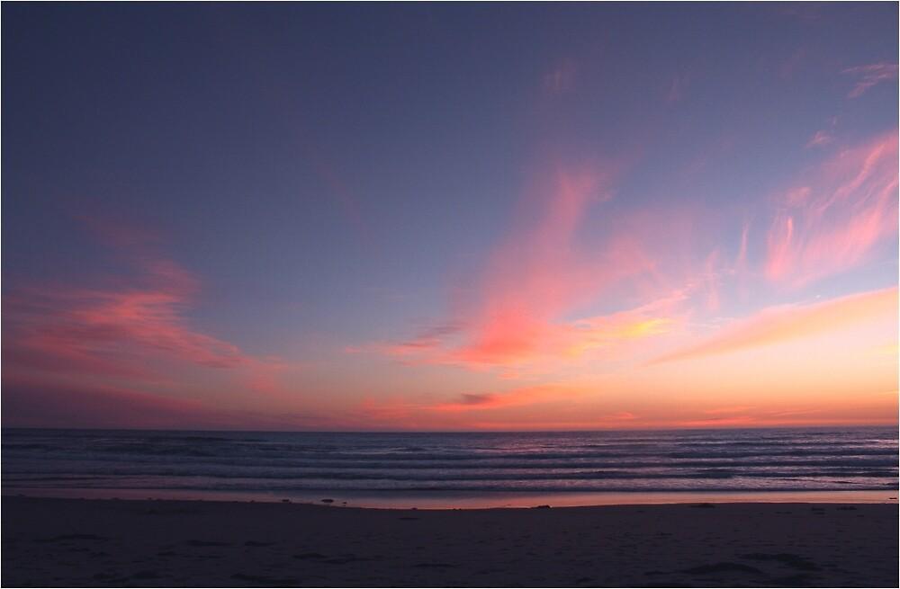 Gentle waves at sunset by Waynek