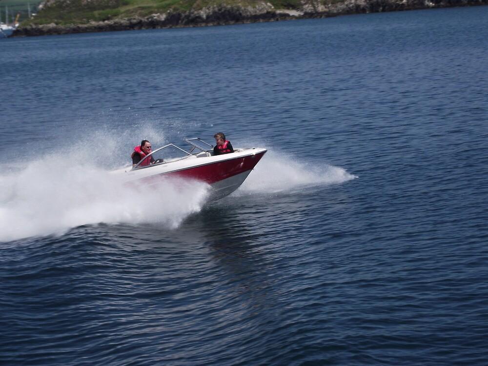Speedboat! by rsteel1