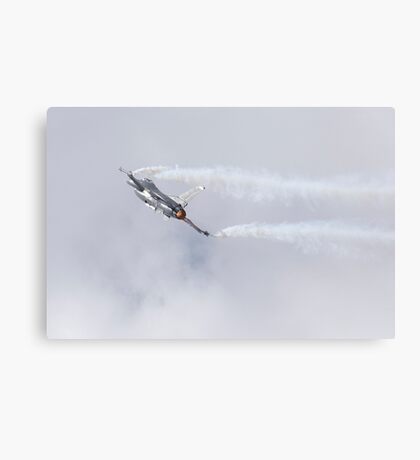 Lockheed Martin F-16 Fighting Hornet Canvas Print