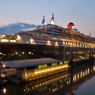 Queen Mary 2 by Stephen  Duffy