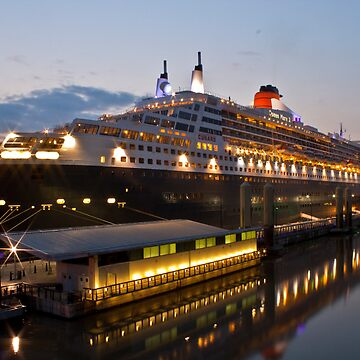 Queen Mary 2 by stey2008