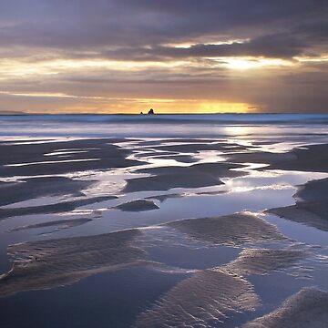 Sonnenuntergang am Perranporth Beach von Andrew-Hocking