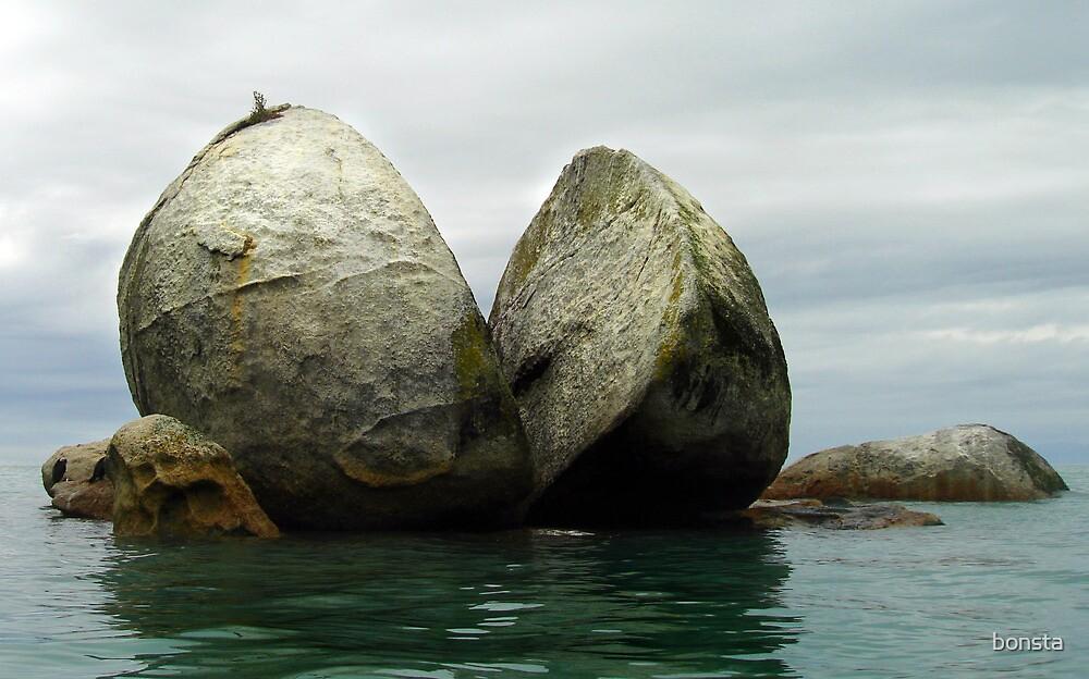 Split Apple Rock by bonsta
