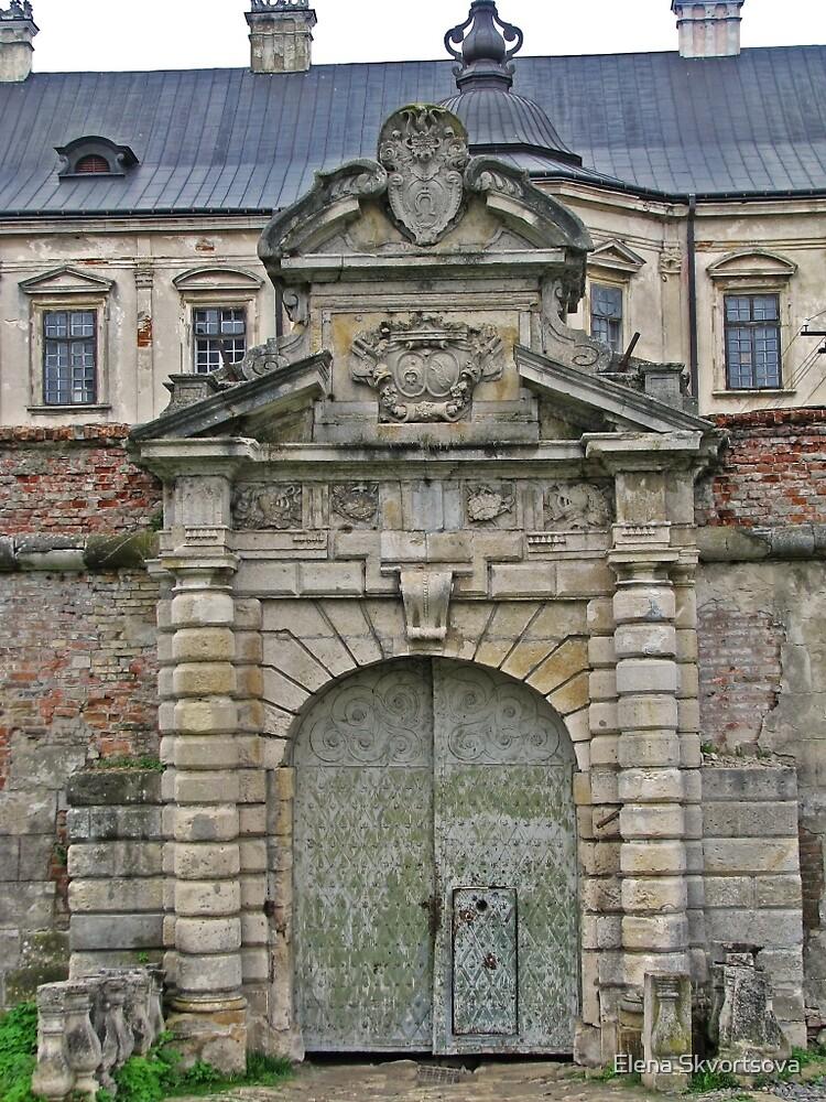 Castle entrance by Elena Skvortsova