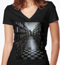 Vastanarada Women's Fitted V-Neck T-Shirt