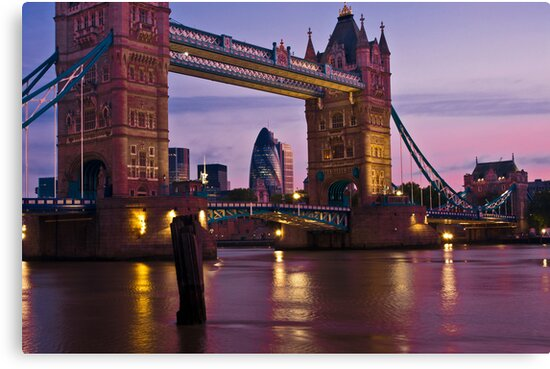 Dawn Light at Tower Bridge - London. by DonDavisUK