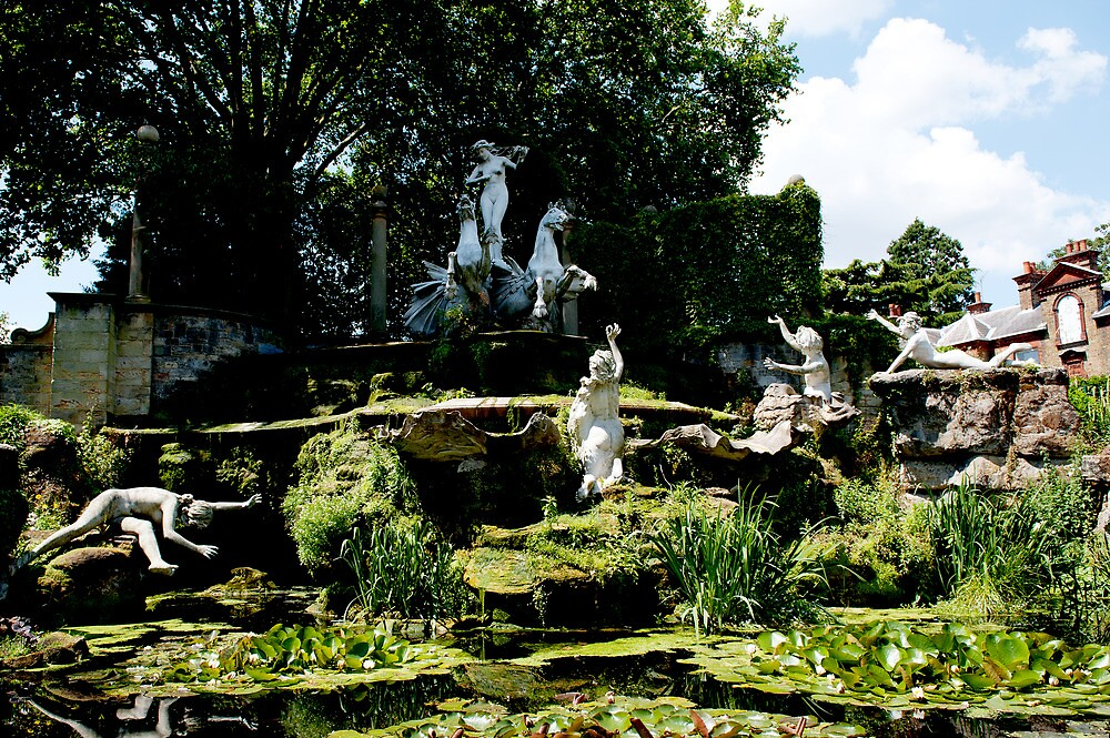 york house garden statues by Bronwen Hyde
