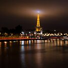 La Tour Eiffel by Anthony Hennessy