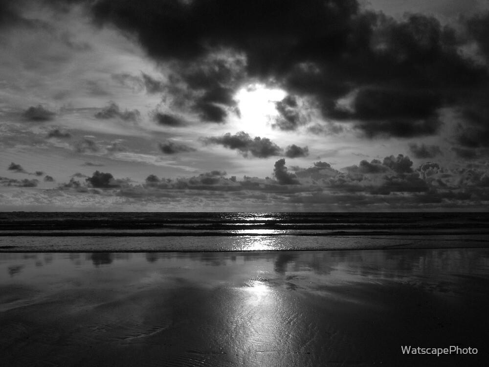 Evening on the beach 2 (Mono) by WatscapePhoto