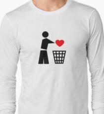 Bin your heart - red heart T-Shirt