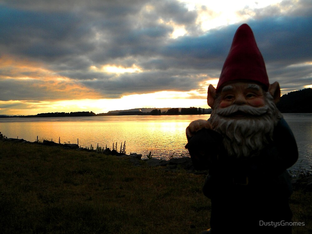 Evening Gnome by DustysGnomes