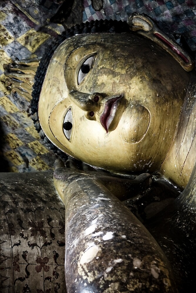 reclining buddha by Maria Heyens