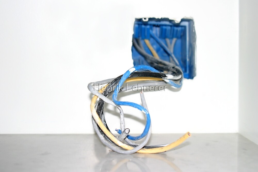 Wire Box by Henrik Lehnerer