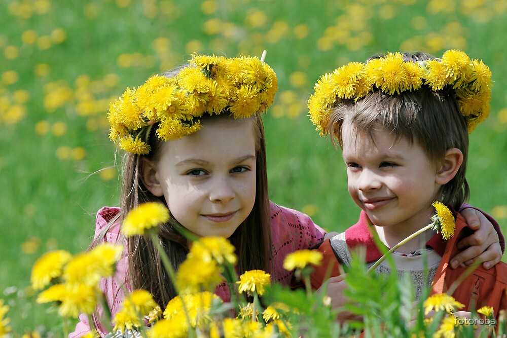Brother and sister with dandelion garlands by fotorobs