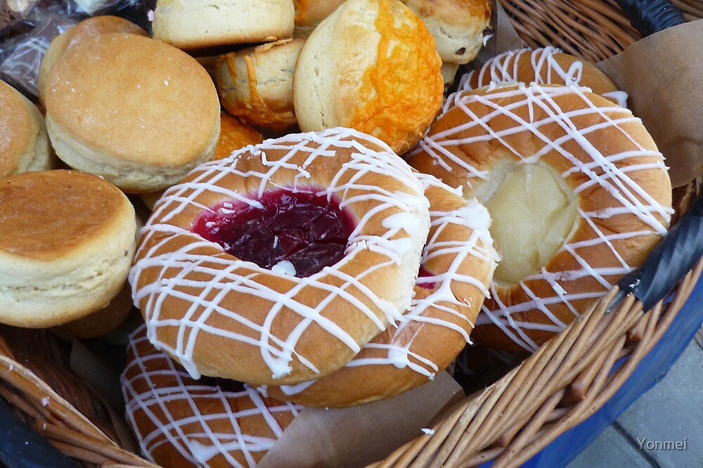 Baked Doughnuts and Cheese Scones by Yonmei