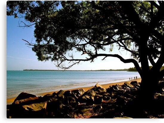 Morning at Mindil Beach, Darwin by Lynette Higgs
