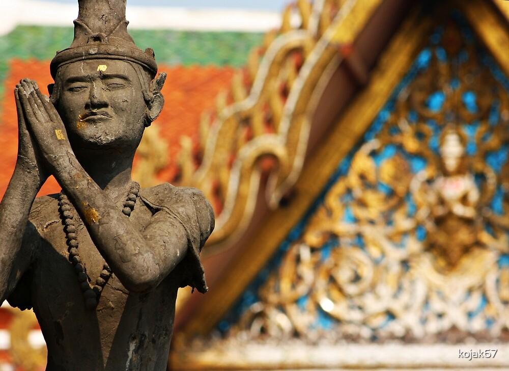 Temple Garden Statue, Bangkok, Thailand by kojak67