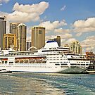 Pearl's in Port by TonyCrehan
