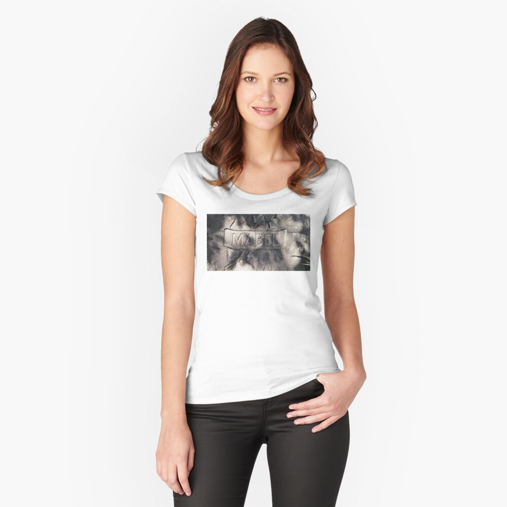 Mabel Women's Fitted Scoop T-Shirt Front