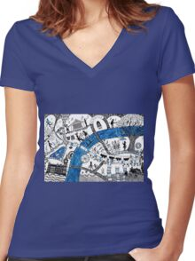 Along the river Thames Women's Fitted V-Neck T-Shirt