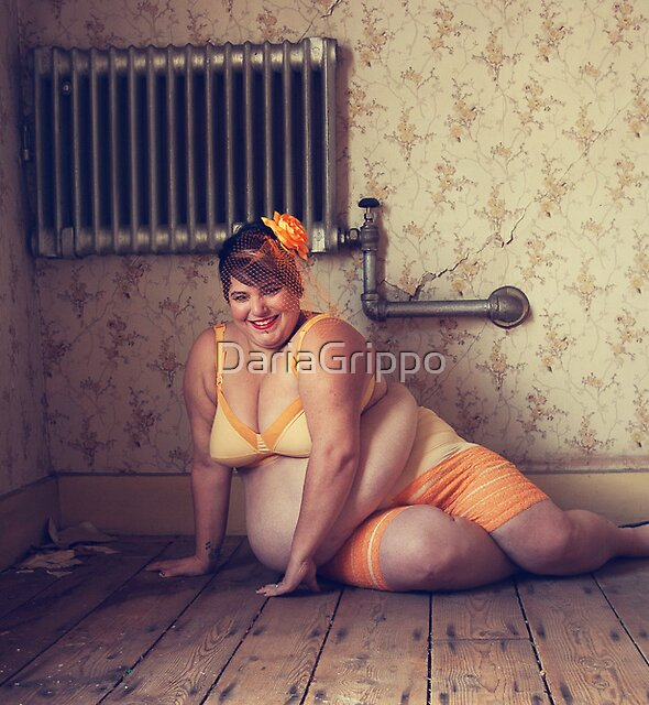 Pin Ups in Abandonments by DariaGrippo