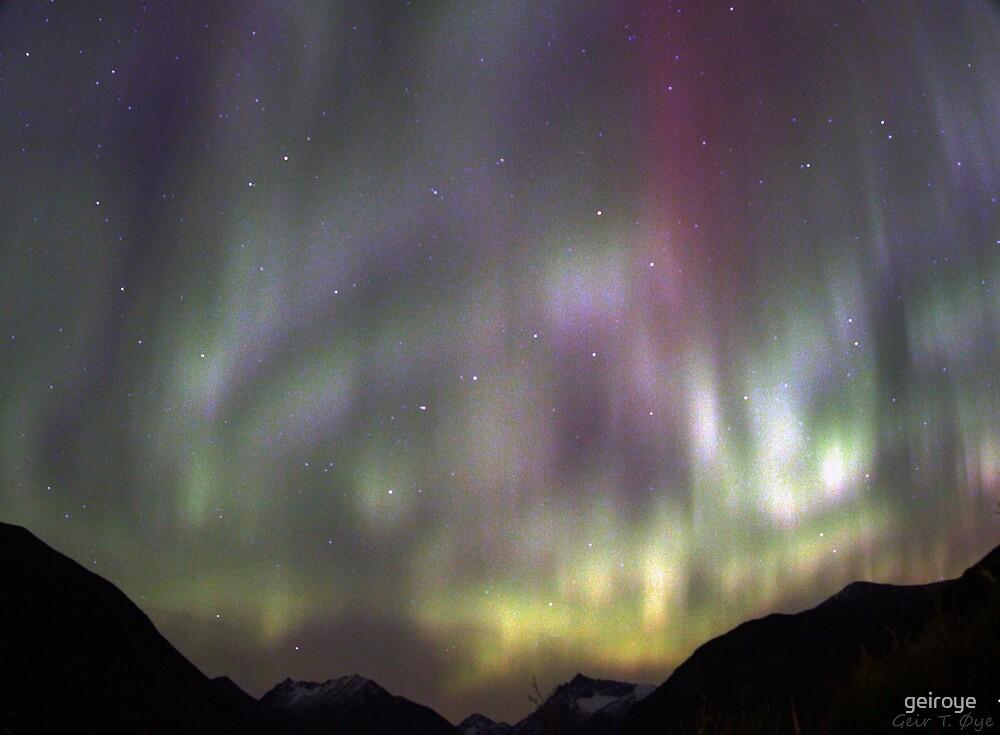 Auroral Sky - Ørsta, Norway by geiroye
